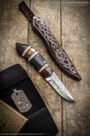 Scandinavian hunting knife