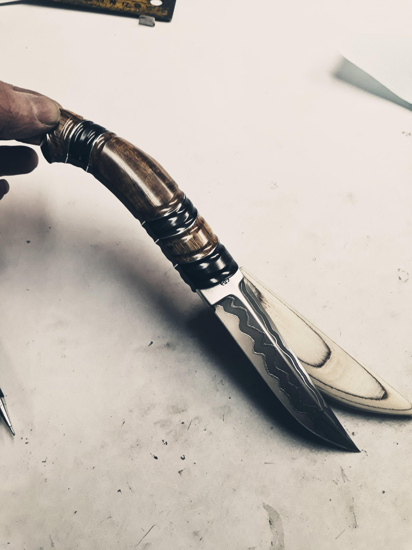 Sunday evening knifemaking.